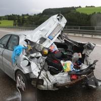 2017-08-31_A7_Allgaeu-Dreicck_O_Unfall_Wohnwagen_Feuerwehr_Poeppel-0010