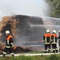 20170817_Unterallgaeu_B16_Hausen_Salgen_Lkw-Heuballen-Brand_Feuerwehr_Poeppel-0009