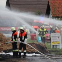 20170817_Unterallgaeu_B16_Hausen_Salgen_Lkw-Heuballen-Brand_Feuerwehr_Poeppel-0016