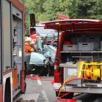 2017-09-06_B32_Geiselharz_Altkarbach_Kombi_Lkw_toedlich_Feuerwehr_Poeppel-0006