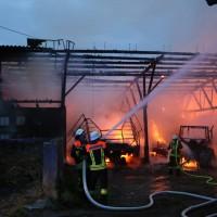 2017-09-08_Unterallgaeu_Hawangen_Brand_Maschinenhalle_Feuerwehr_Poeppel-0004