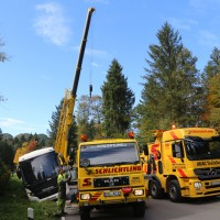 2017-09-27_Ostallgaeu_Fuessen_Reisebus-droht-zu-kippen_Bergung_Poeppel-0079