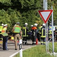 2017-09-27_Unterallgaeu_Boehen-Walddmuehle_Unfall_Feuerwehr_Poeppel-0004