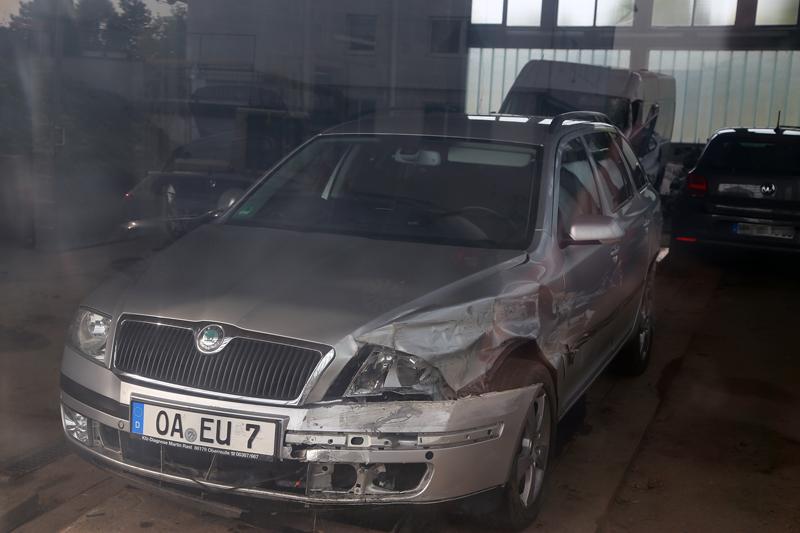 Foto: Pöppel Der von der Polizei sichergestellte Fluchtwagen nach dem Unfall in Aitrach