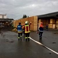 2017-10-06_Unterallgaeu_Zell_Jugend_Feuerwehr_THW_BRK_JUH_Uebung_Feuerwehr-Zell_new-facts-eu_0028