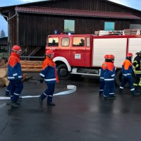 2017-10-06_Unterallgaeu_Zell_Jugend_Feuerwehr_THW_BRK_JUH_Uebung_Feuerwehr-Zell_new-facts-eu_0030