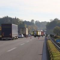 2017-10-13_A96_Stetten_Mindelheim_Unfall_2-Pkw_Lkw_Feuerwehr_Poeppel^-0002