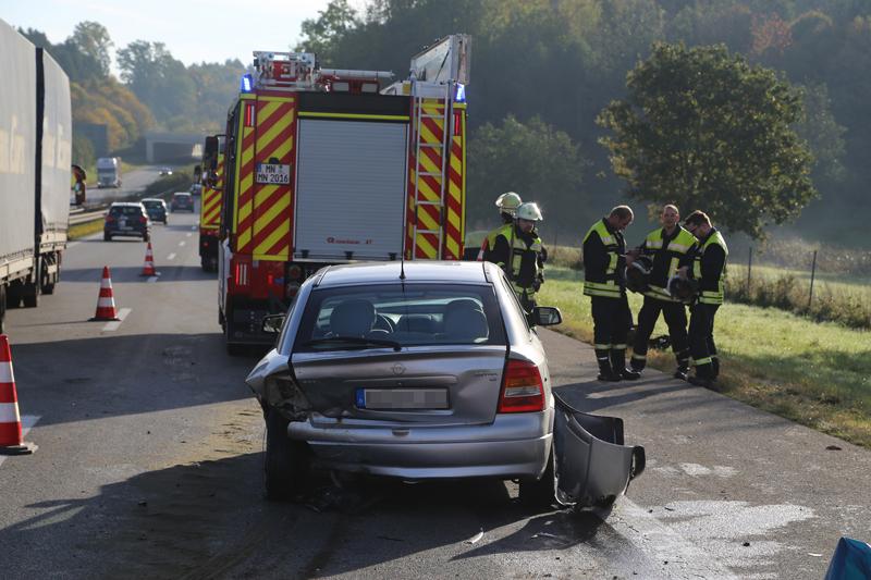 2017-10-13_A96_Stetten_Mindelheim_Unfall_2-Pkw_Lkw_Feuerwehr_Poeppel^-0004