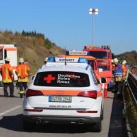 2017-10-14_A96_Leutkirch_Kisslegg_Unfall_Feuerwehr_Rettungshurbschrauber_Poeppel_0010