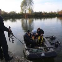 2017-10-26_Unterallgaeu_Pfaffenhausen_Polizei-Taucher_Vermisstensuche_Leichenfund_Poeppel-0051