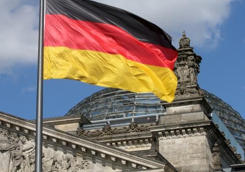 Deutschlandfahne über dem Reichstagsgebäude, über dts Nachrichtenagentur