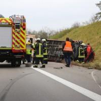 2017-11-05_A96_Mindelheim_Stetten_Transporter_Pkw_Feuerwehr_Poeppel_0014