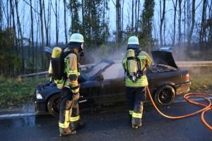 2017-11-06_Aitrach_Mooshausen_Pkw-Brand_Feuerwehr_Poeppel_0003