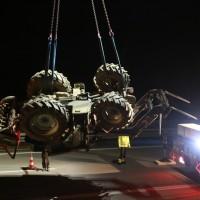 2017-11-20_A7_Dietmannsried_Leubas_Unfall_Traktor_Boeschungsarbeiten_Polizei_Kutter_Poeppel-0020