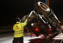 2017-11-20_A7_Dietmannsried_Leubas_Unfall_Traktor_Boeschungsarbeiten_Polizei_Kutter_Poeppel-0027
