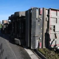 2017-11-22_A7_Berkheim_Lkw-Unfall_Polizei_Poeppel_0005