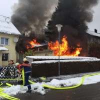 2017-11-29_Lindau_Lindenberg_Westallgaeu_Brand_Garage_Feuerwehr_Raedler_0003