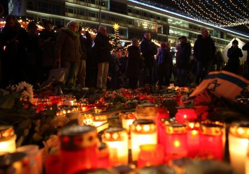 Gedenkkerzen am Breitscheidplatz, über dts Nachrichtenagentur