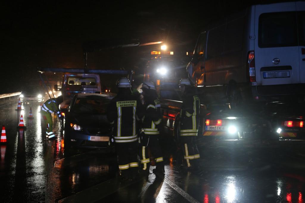 2017-12-13_b312_Berkheim_+_Dettingen_Schnee-Unfälle_Poeppel_0001