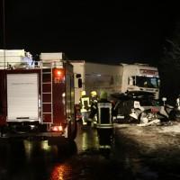 2017-12-17_A7_Altenstadt_Dettingen_Lkw-Unfall_Feuerwehr_Poeppel_0009