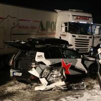 2017-12-17_A7_Altenstadt_Dettingen_Lkw-Unfall_Feuerwehr_Poeppel_0021