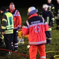 2017-12-23_B312_Erlenmoss_Edenbach_Pkw_Baum_Feuerwehr_Poeppel_0044