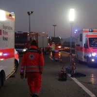 2017-12-24_A7_Groenenbach_Woringen_Unfall_schwer_Feuerwehr_Poeppel_0008