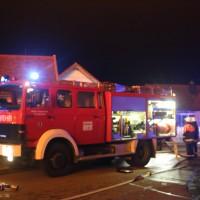 2017-12-24_Unterallgaeu_Altisried_Großbrand_Gebaeude_Feuerwehr_Poeppel_0047