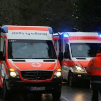 2017-12-30_Biberach_Kirchberg_Gutenzell_Unfall_Schneeglaette_Feuerwehr_Poeppel_0002