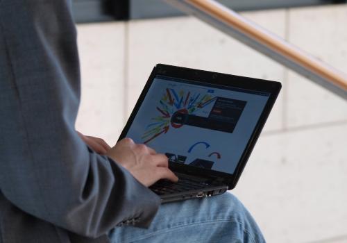 Google+-Nutzer am Computer, über dts Nachrichtenagentur