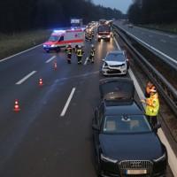 2017-01-13_A7_Voehringen_Illertissen_Unfall_Feuerwehr_Poeppel_0003