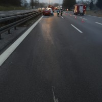 2017-01-13_A7_Voehringen_Illertissen_Unfall_Feuerwehr_Poeppel_0008