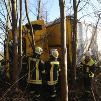 2018-01-10_A96_Mindelheim_Stetten_Lkw-Unfall_Feuerwehr_Poeppel_0018