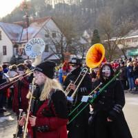 2018-01-21_Erolzheim_Narrenzunft_Deifel-weib_Narrensprung_Poeppel_0067