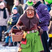 2018-01-21_Erolzheim_Narrenzunft_Deifel-weib_Narrensprung_Poeppel_0579