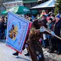2018-01-21_Erolzheim_Narrenzunft_Deifel-weib_Narrensprung_Poeppel_0629
