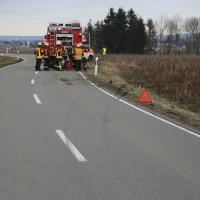 2018-01-26_L300_Tannheim_Egelsee_Unfall_Ueberschlag_Feuerwehr_Polizei_0001
