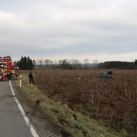 2018-01-26_L300_Tannheim_Egelsee_Unfall_Ueberschlag_Feuerwehr_Polizei_0006