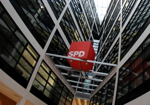 SPD-Logo im Willy-Brandt-Haus, über dts Nachrichtenagentur
