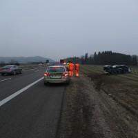 2018-02-06_A96_Holzguenz_Lkw_Autotransporter_Unfall_Polizei_Poeppel_0007