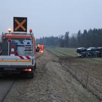 2018-02-06_A96_Holzguenz_Lkw_Autotransporter_Unfall_Polizei_Poeppel_0009