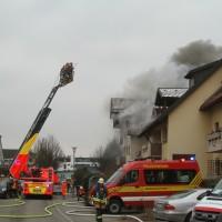 2018-02-22_Wangen_Allgaeu_Brand_Mehrfamilienhaus_Feuerwehr_Poeppel_0007