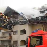 2018-02-22_Wangen_Allgaeu_Brand_Mehrfamilienhaus_Feuerwehr_Poeppel_0073