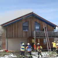 2018-03-05_Bibeach_Kirchdorf_Brand_Fassade_Feuerwehr_0021