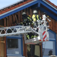 2018-03-05_Bibeach_Kirchdorf_Brand_Fassade_Feuerwehr_0048