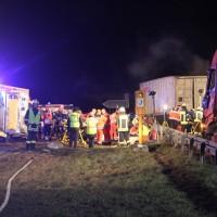 2018-03-16_A7_Dettingen_Lkw-Unfall_Feuerwehr_0013