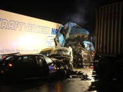 2018-03-16_A7_Dettingen_Lkw-Unfall_Feuerwehr_0021