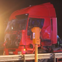 2018-03-16_A7_Dettingen_Lkw-Unfall_Feuerwehr_0035