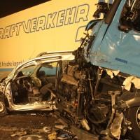 2018-03-16_A7_Dettingen_Lkw-Unfall_Feuerwehr_Bergung_Kutter_Memmingen_0004