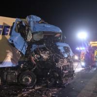 2018-03-16_A7_Dettingen_Lkw-Unfall_Feuerwehr_Bergung_Kutter_Memmingen_0058